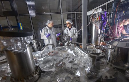 Dr Henrique Araújo supervising Adrian Bayer's UROP Placement at a Dark Matter Reactor in the High Energy Physics Department