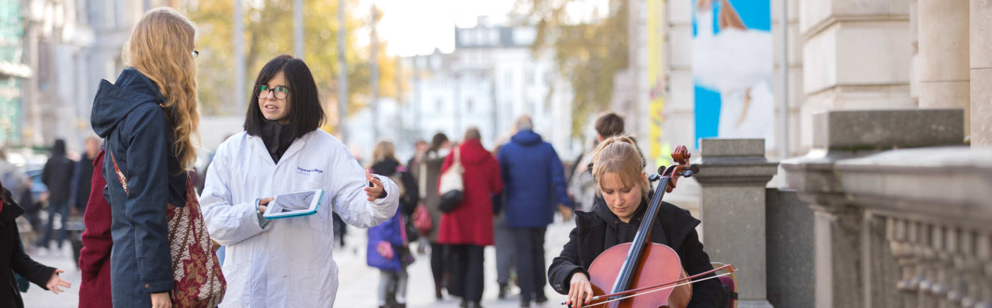 An Imperial researcher and musician engage members of the public on Exhibition road
