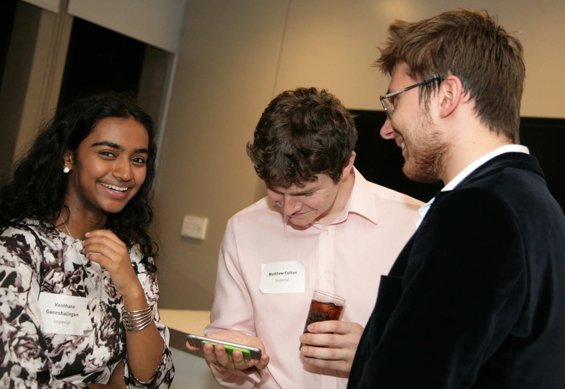 Students from Imperial and MIT met to exchange stories and experiences