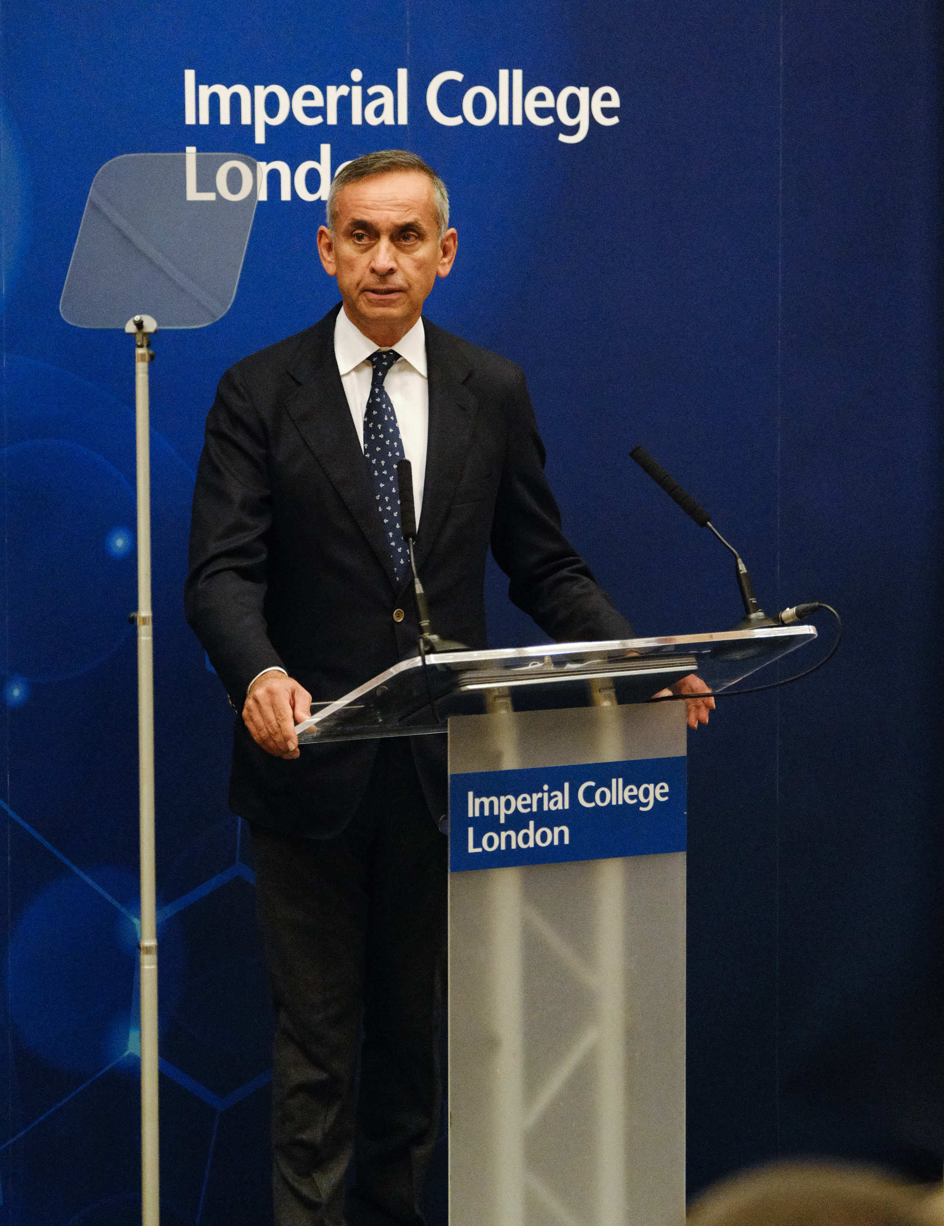 Lord Darzi said the Vice President had brought extraordinary leadership to the fight against cancer