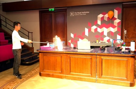 The art of Demos at the Royal Institution
