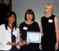 Suzanne Christopher and Su Nandy (HR) with the award