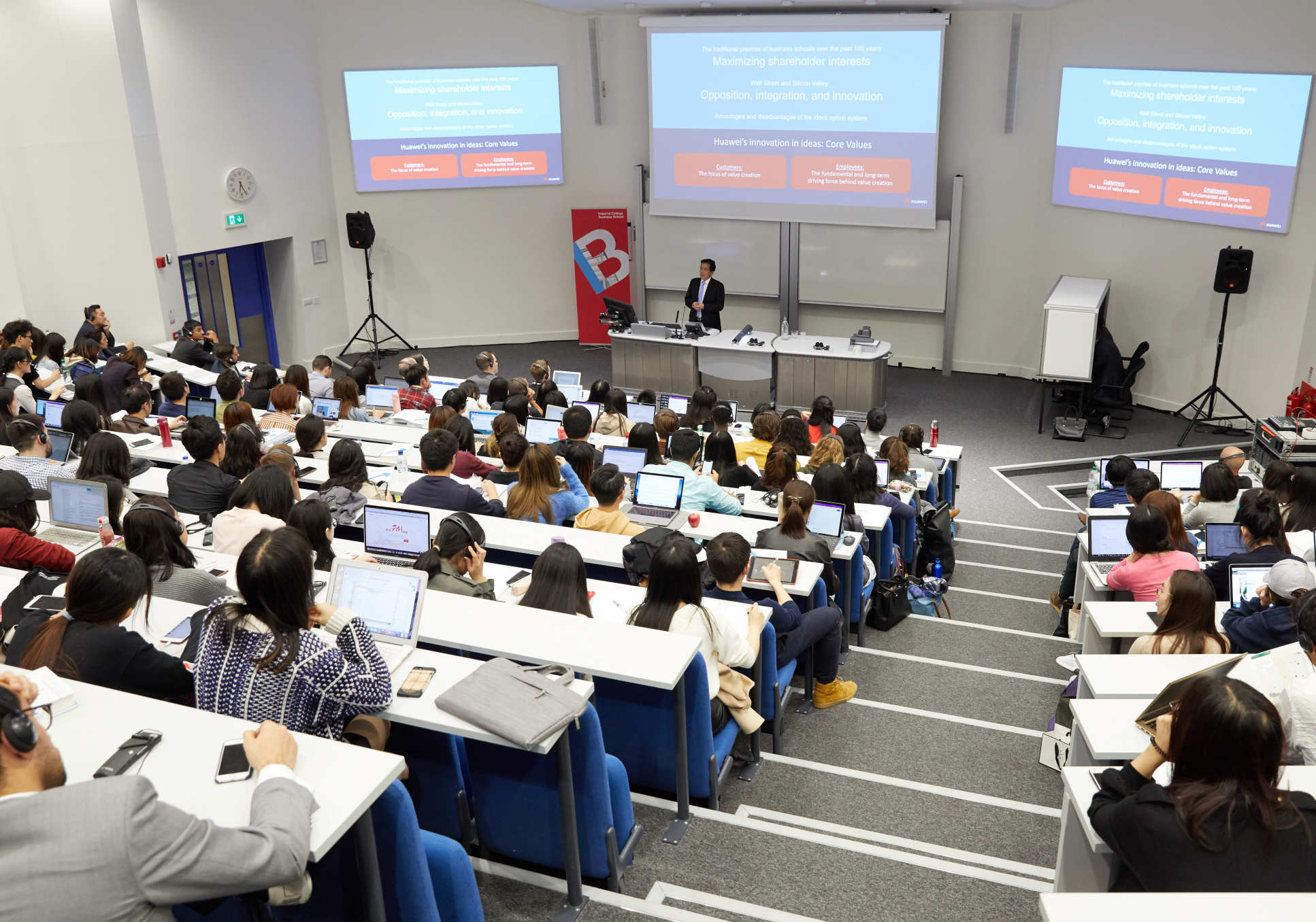 Professor Tian gave insights into Huawei's success to Business School students