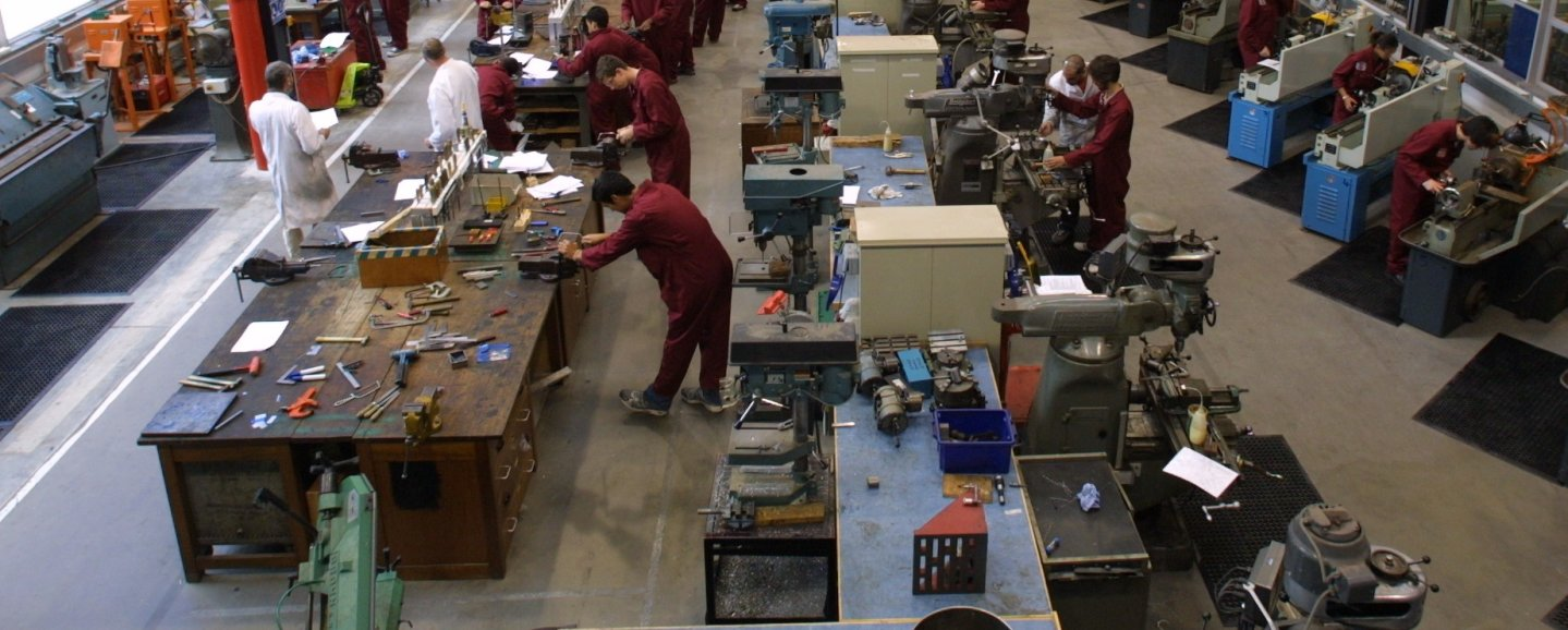 mechanical engineering coursework In the first two years, the mechanical engineering curriculum concentrates on the  fundamentals of sciences, mathematics, and engineering the last two years.