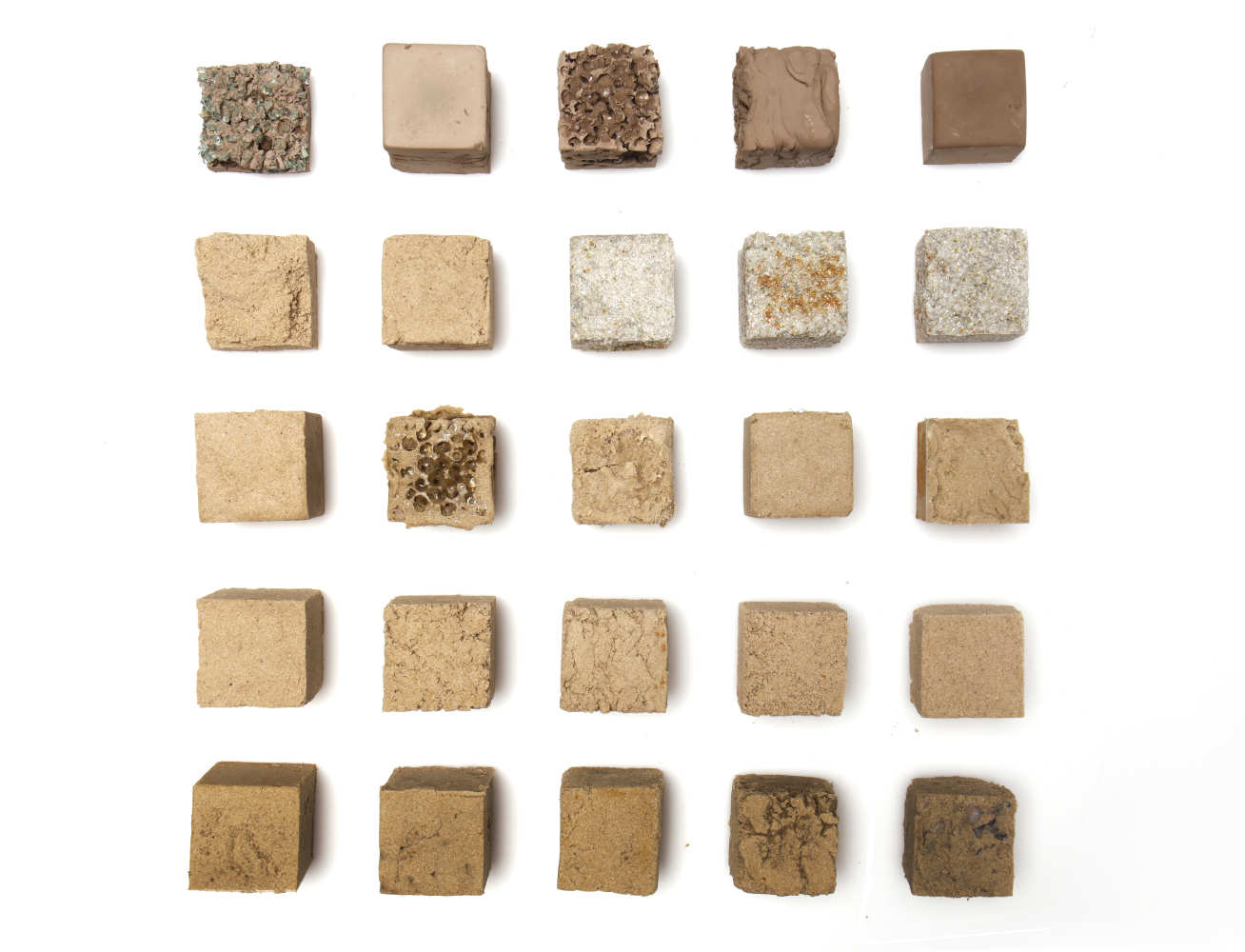 Finite are making a concrete-like material from desert sand