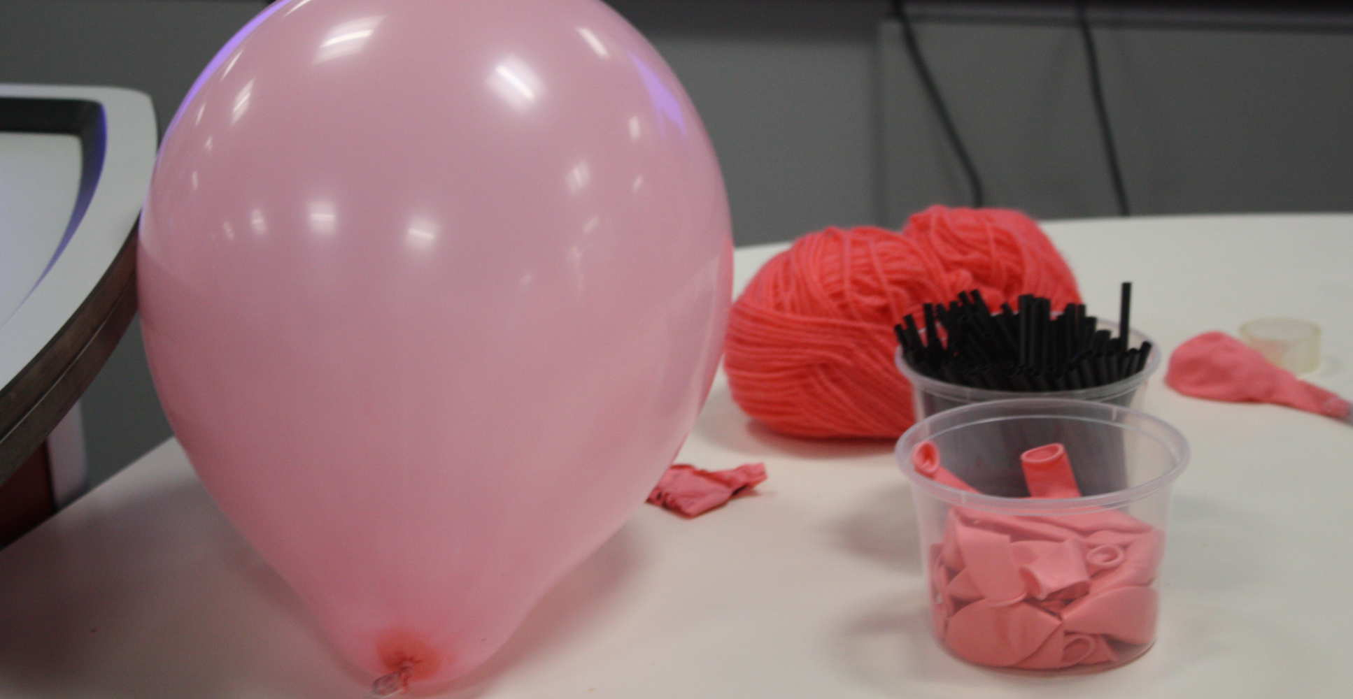 Balloon and wool