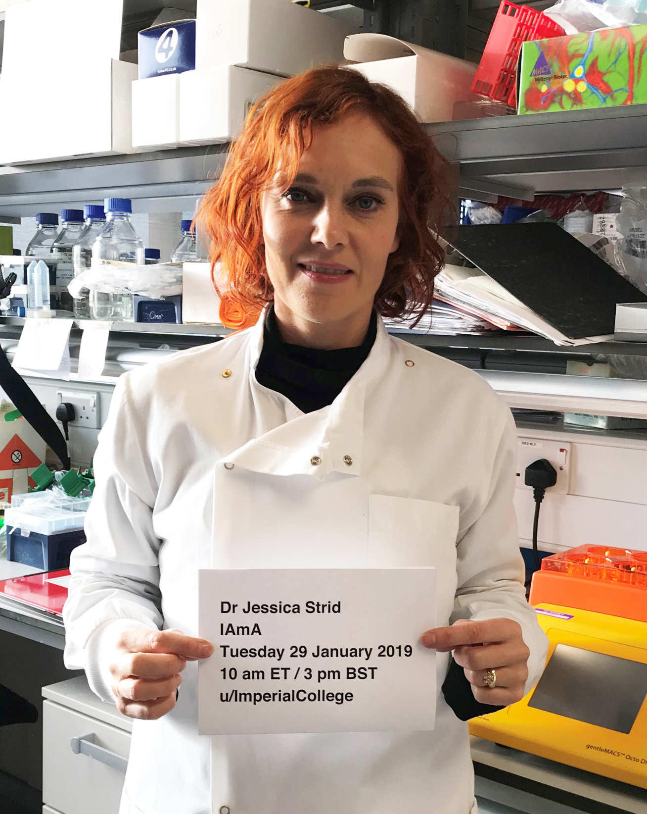 Dr Jessica Strid in a lab