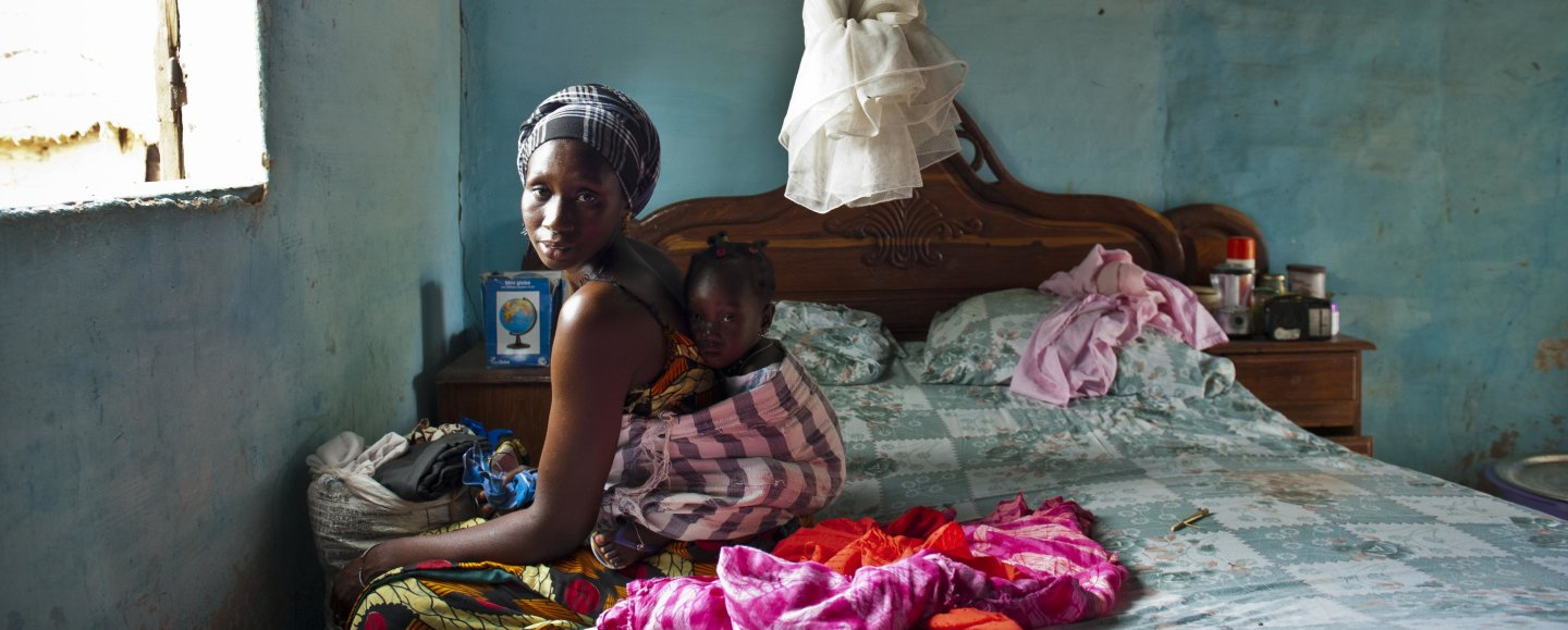 A mother and infant in the Maternity ward of Poste de Santé de Bicole. Bicole village Fatick district Senegal. Courtesy of Arne Hoel World Bank 2017