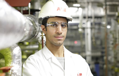 Student in Chemical Engineering lab