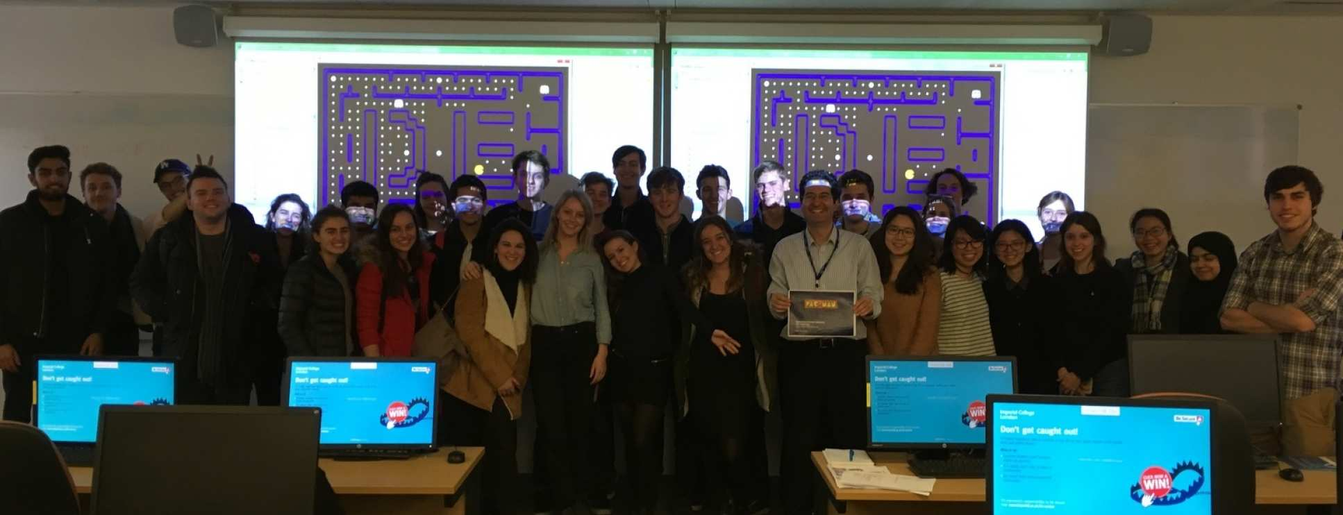 PAC-MAN programming competition for DE2 Computing 2