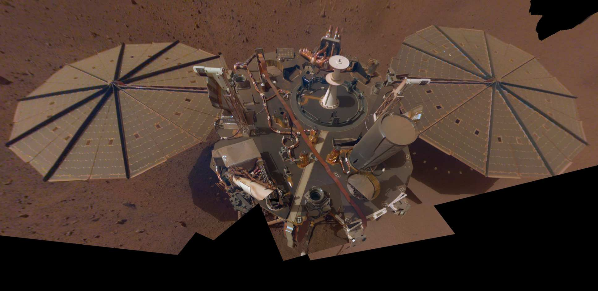 A selfie taken by Mars InSight