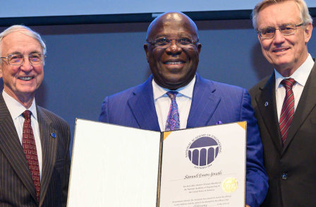 Sir Sam Jonah receiving Fellowship of US National Academy of Engineering