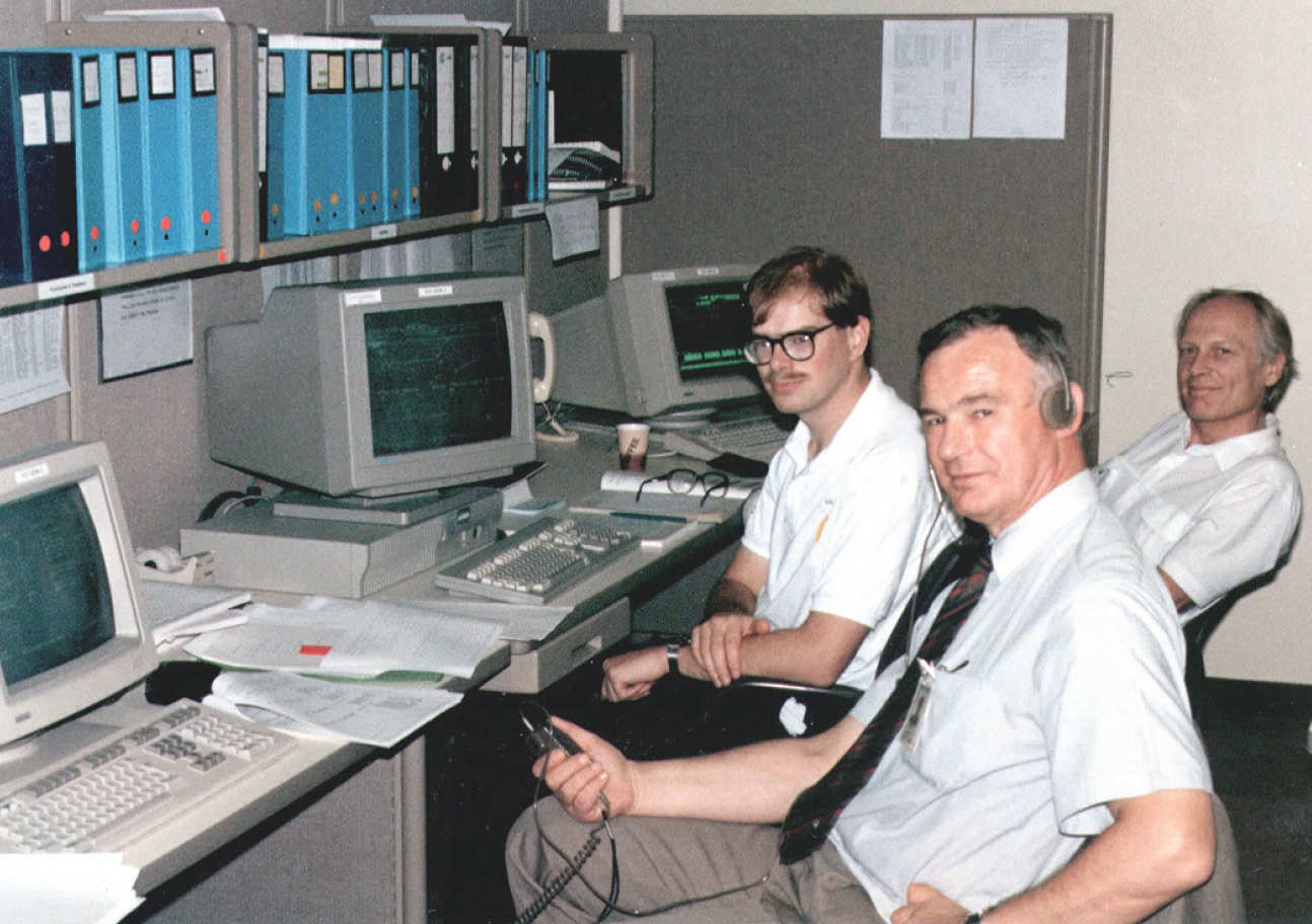 The Imperial College team at Ulysses magnetometer  switch on, October 1990