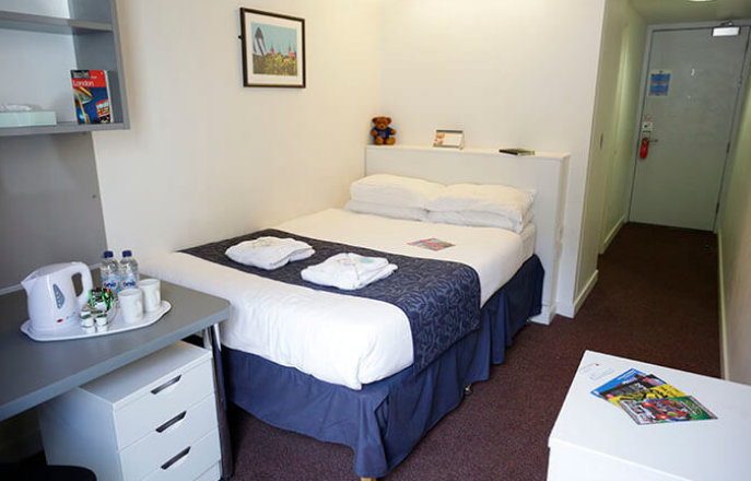Bed and Breakfast group accommodation South Kensington