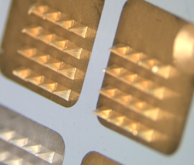 gold microneedles close up