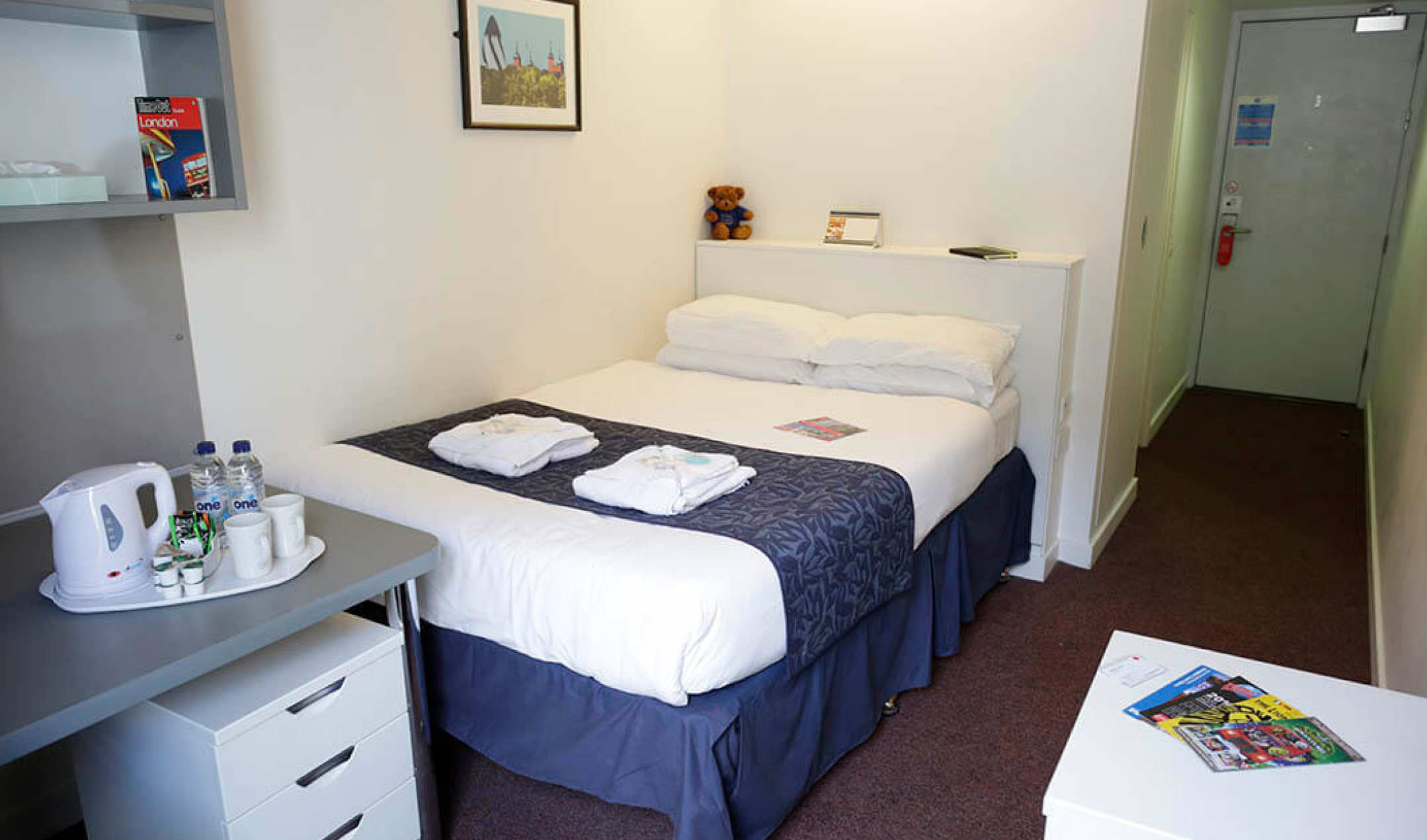Double bedroom group accommodation