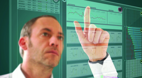 A man pointing at a website