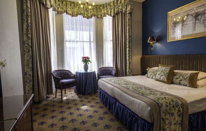 A double bedroom suite at the London Lodge Hotel