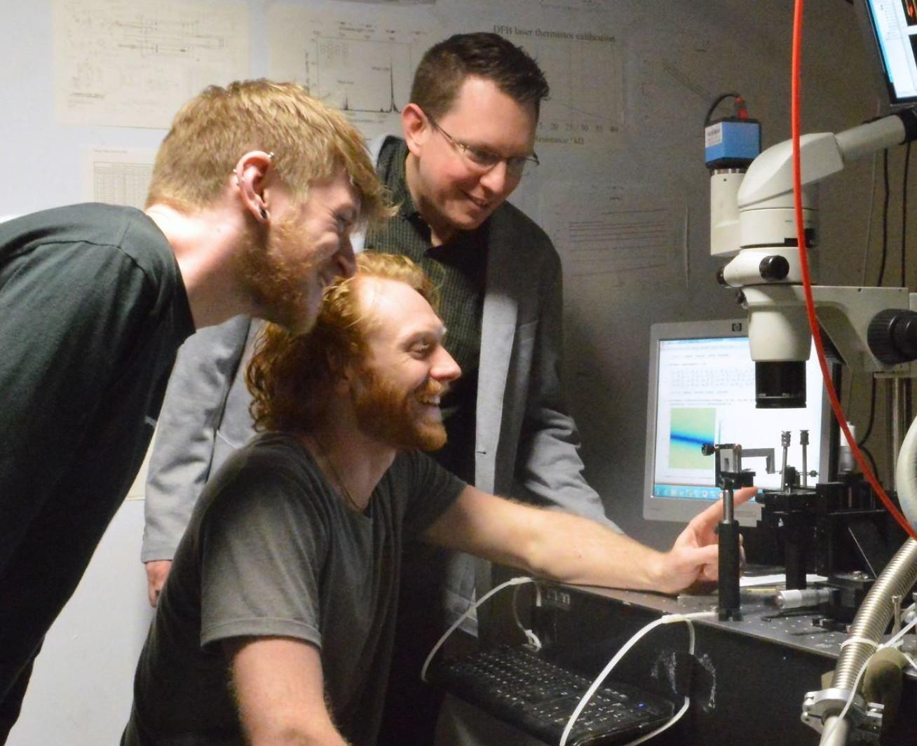 The molecular quantum nanophotonics research team