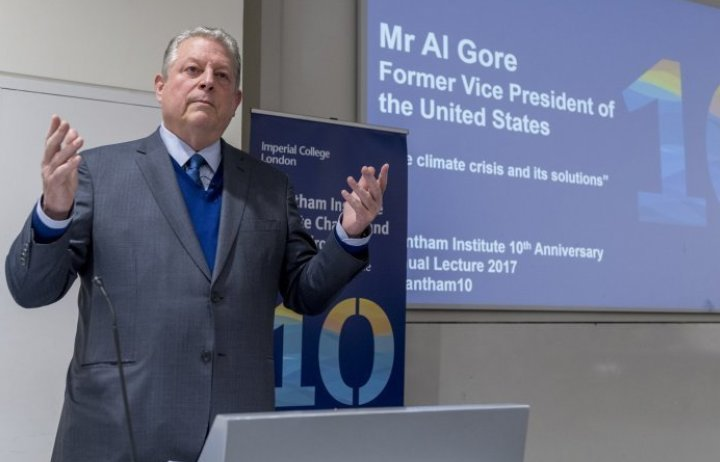 Al Gore delivering a lecture at Imperial in 2017