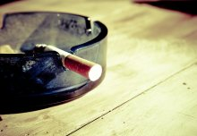 Stopping smoking reduces dependency on steroids in patients with Crohn's disease