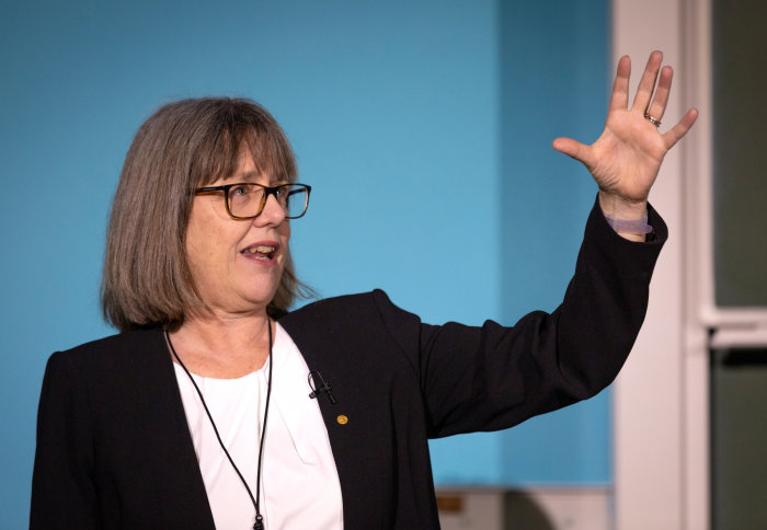 Professor Donna Strickland delivers the lecture