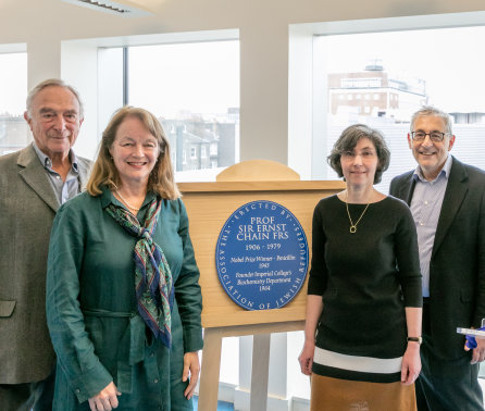 Imperial professor honoured with plaque from the Association of Jewish Refugees
