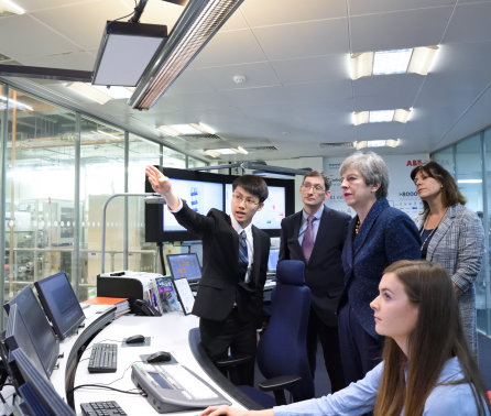 Prime Minister visits Imperial as UK pledges net zero carbon emissions