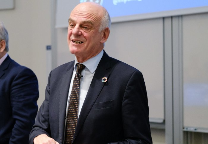 Dr David Nabarro giving a lecture