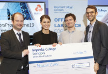Student startup tackling UTIs with bacteria-killing light wins innovation award