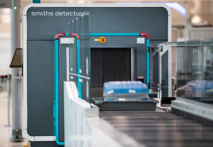 Smiths Detection airport baggage CT scanner