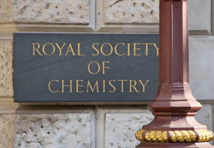 Plaque that reads 'Royal Society of Chemistry'