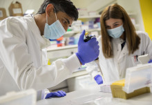 Chancellor sees cutting-edge medical research at Imperial