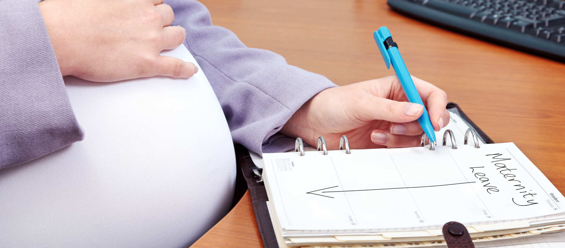 Pregnant woman planning dates