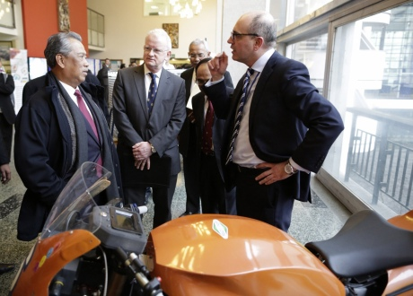 Malaysian Deputy PM launches low carbon research centre | Imperial