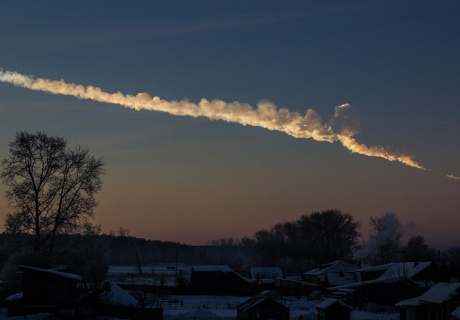 The Chelyabinsk meteor blastwave injured around 700 people (credit:  Alex Alishevskikh - Flickr: Meteor trace)
