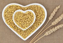 Higher intake of whole grains associated with reduced risk of diseases and death