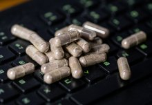 Online pharmacies not requiring prescriptions could fuel antibiotic resistance