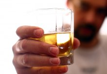 Window to brain's reward system could lead to better treatments for alcoholism