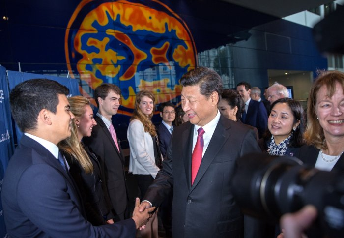 President Xi meets students