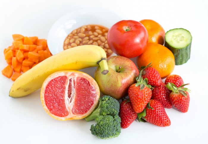 A selection of 10 portions of fruit and vegetables