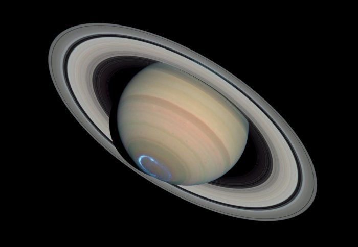 Saturn's 'weird' magnetic field perplexes scientists